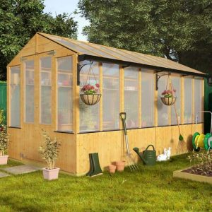 BillyOh 4000 Lincoln Wooden Polycarbonate Greenhouse Closed Doors