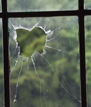 How To Repair A Broken Window In A Garden Shed Or Greenhouse
