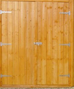 7'5 x 7'5 Shire Shiplap Corner Shed Closed Door