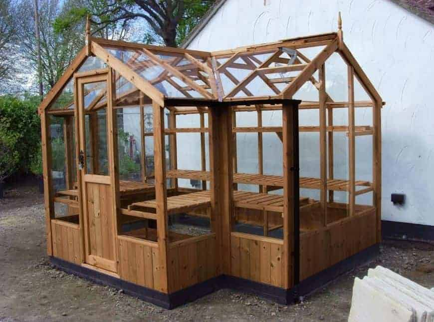 how to build a wooden greenhouse